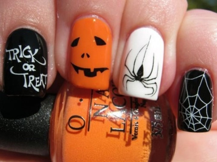 25 Clever Nail Ideas For Halloween  BuzzFeed